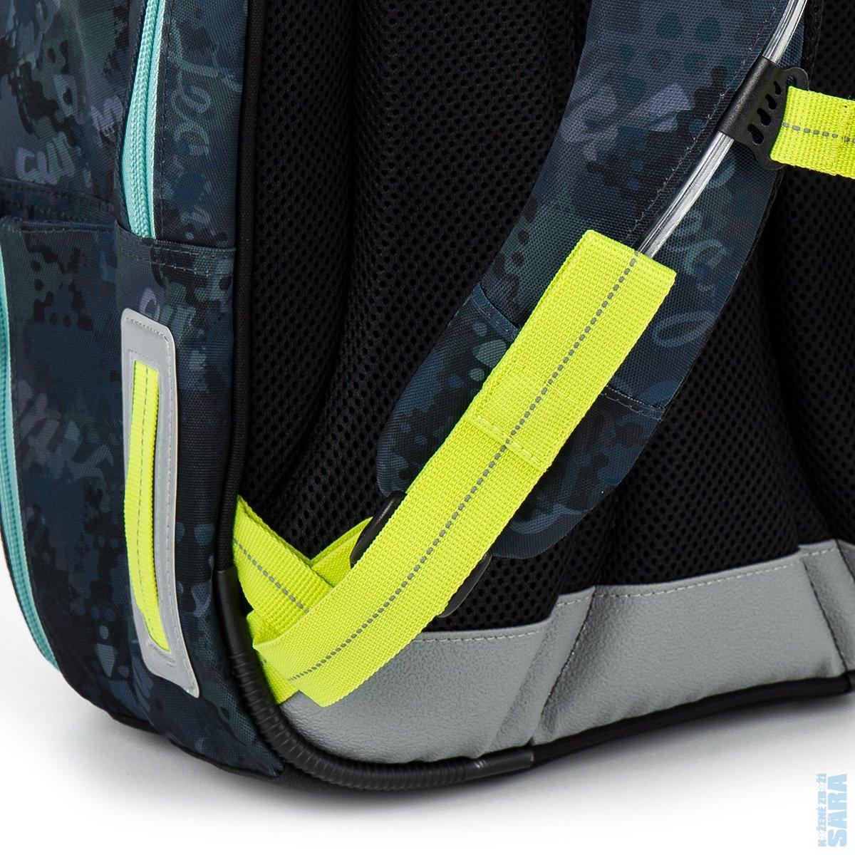 c6969050c34 sada pro školáka set Small  Školní batoh CHI 878 D blue + Penál CHI 911.  Tříkomorová stálice mezi školními batohy pro kluky od 2. třídy výše